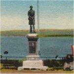 Monument commémoratif à Digby – Image d'époque du monument aux morts de Digby, Nouvelle-Écosse. Ce monument fut construit en 1921 et rend hommage aux dix-sept premières victimes de la Première Guerre mondiale.
