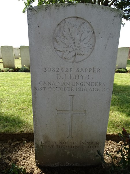 Grave marker– Pierre tombale
