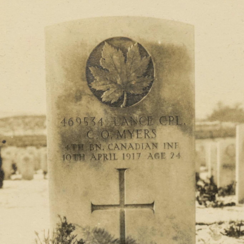Grave Marker– Photo of Grave, Lapugnoy Military Cemetery.