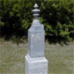 Inscription sur la pierre tombale – Pierre tombale commémorative au cimetière de Beulah, Beulah (Manitoba).