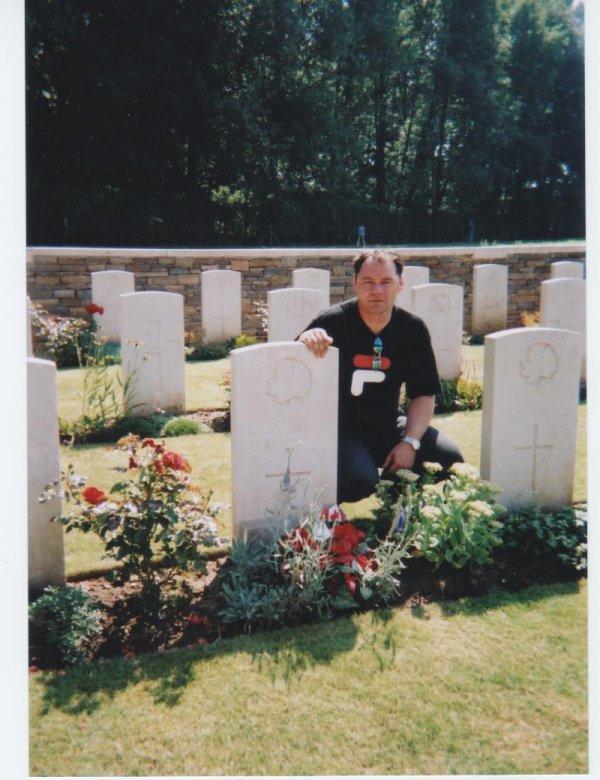 Grave marker (2)