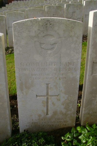 Grave Marker– Bagneux British Cemetery … photo courtesy of Marg Liessens
