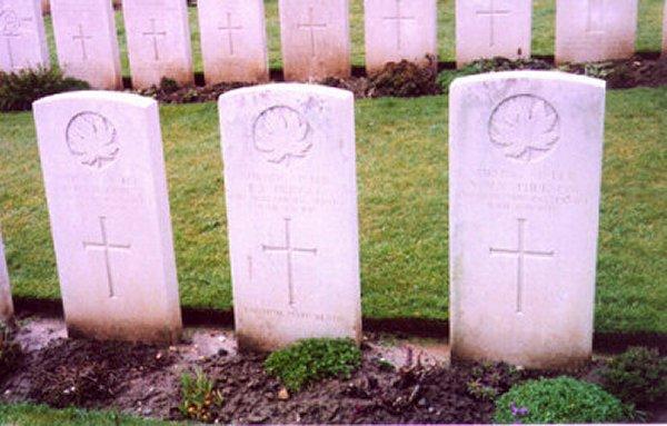 Headstone of Agnes MacPherson