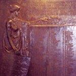 Monument commémoratif – Ce monument commémoratif de bronze rend hommage à Lloyd Stanley Caldwell.