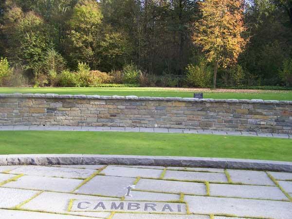 Monument commémoratif du Bourlon Wood Cemetery