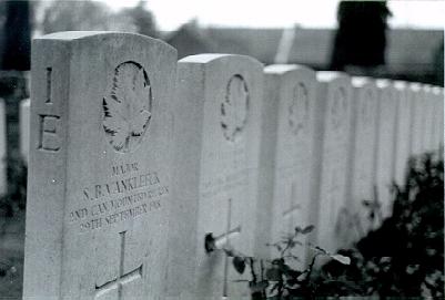 Gravestone for Stuart B. VanKleeck