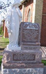 Memorial– Private ROBERT VICTOR ARNOTT is commemorated on this memorial in Cumberland, Ontario.