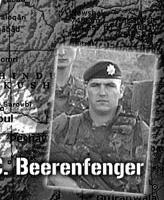 Plaque OP d'Athena – Plaque OP d'Athena en commémoration du Sergent R.A. Short et le Caporal R.C. Beerenfenger.