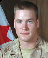 Photo de Josh Klukie – Le Soldat Josh Klukie, 1er Bataillon, The Royal Canadian Regiment. Photographie : Banque d'images des Forces canadiennes.