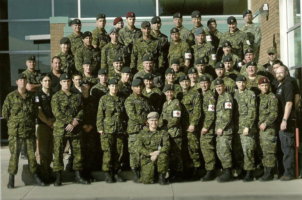 Photo de Groupe – Equipe de la 5eme ambulance de campagne déployé en Afghanistan (roto4). Photo prise en 2007.