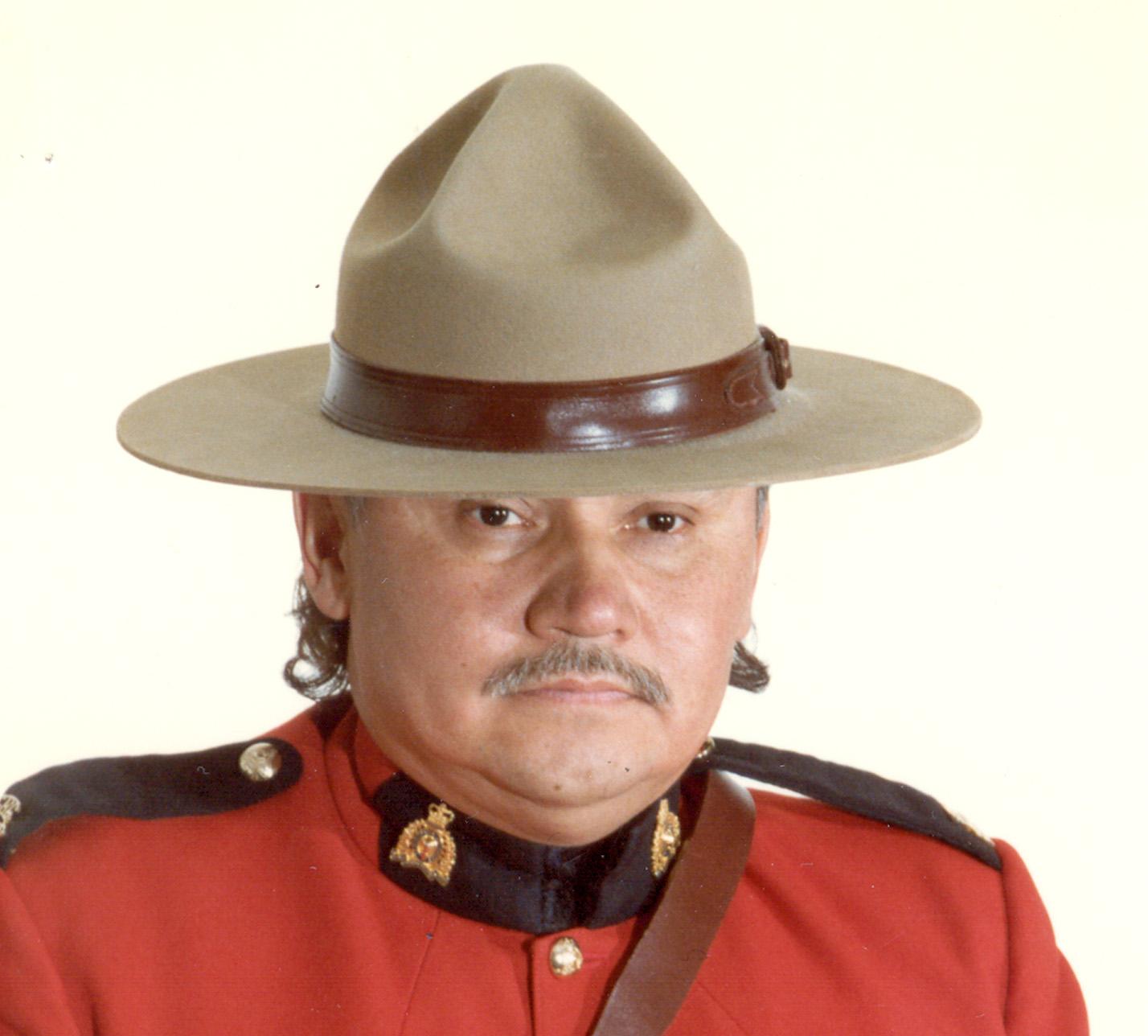 Gendarme Dennis Douglas Strongquill – © Sa Majesté la Reine du chef du Canada représentée par la Gendarmerie royale du Canada
