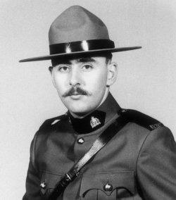 Gendarme Roger Emile Pierlet – © Sa Majesté la Reine du chef du Canada représentée par la Gendarmerie royale du Canada
