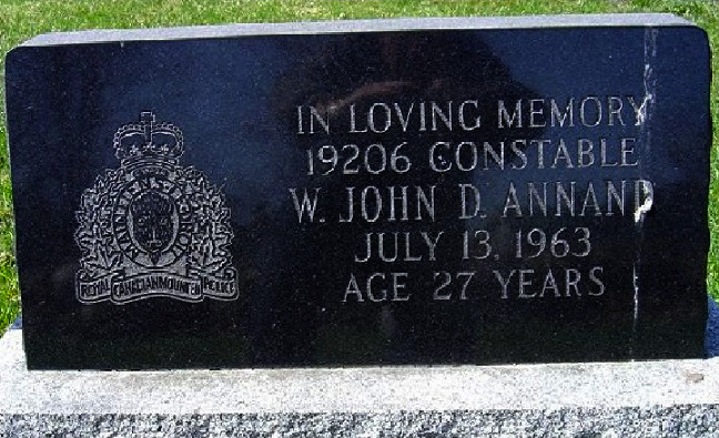 Inscription on Grave marker – Photo gracieuseté de www.rcmpgraves.com