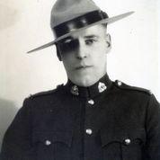 Gendarme Donald Ross MacDonell – © Sa Majesté la Reine du chef du Canada représentée par la Gendarmerie royale du Canada