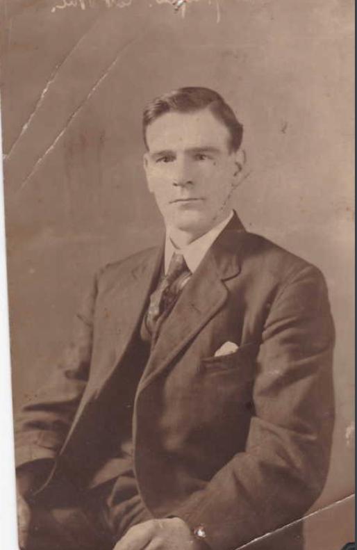 Photo of RICHARD STRAIN