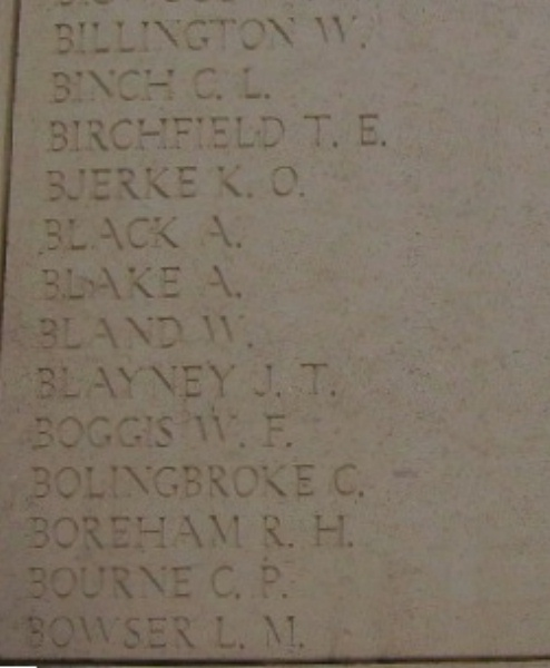 Photo of LEWIS BOWSER– Inscription on the Menin Gate, photo courtesy of Marg Liessens.