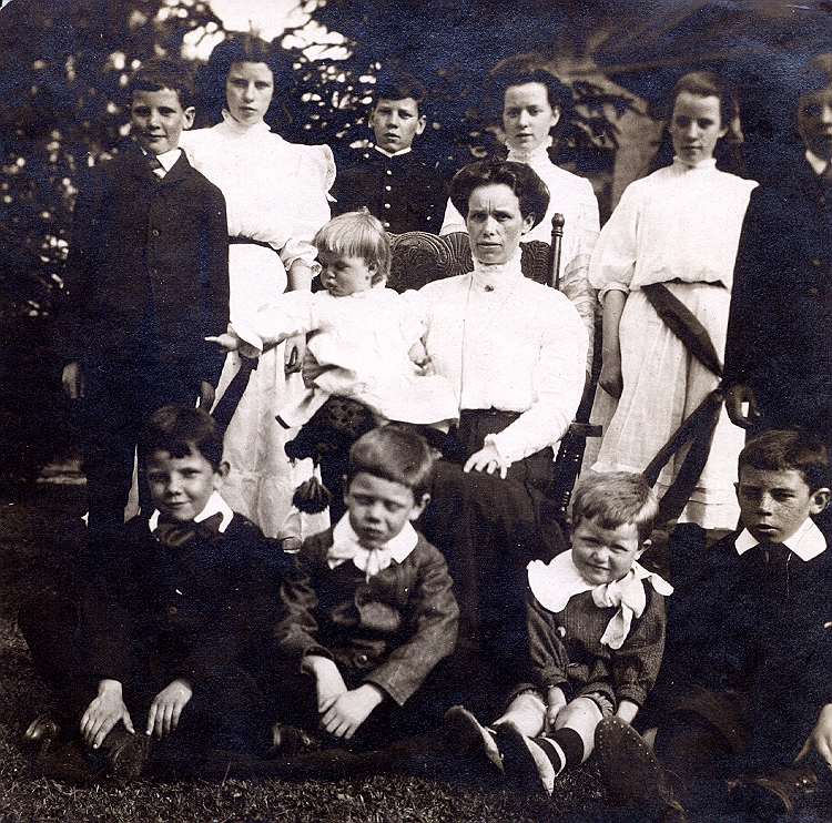 Charles Collyer with his siblings and step-mother